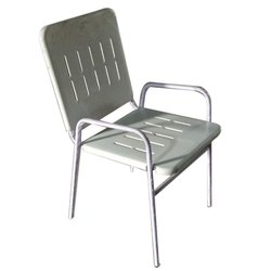Iron Powder Coated Vharnda chair, Size: 18 Inch
