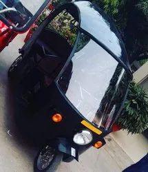 Presta Black Electric Rickshaw