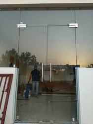 Transparent Toughened Glass, For Partition, Shape: Flat