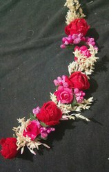 Red flowers brooch