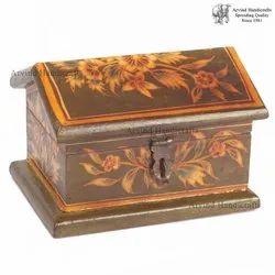 Arvind Handicrafts Wooden Hut Shape Painted Box, Size: 4