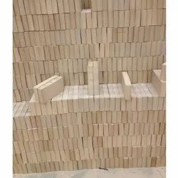 Rectangle Ceramic Acid Resistance Bricks, Size: 9 In. X 3 In. X 2 In., for Partition Walls