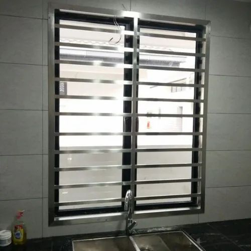 Polished Stainless Steel Fixed Window, For Home, Size/Dimension: 3.4 Feet (height)