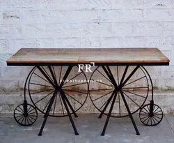 Retro Bar & Counter Table in Vintage Style Furniture for Hotels, Resorts and Cafes